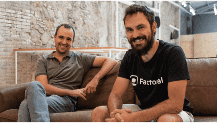 co-fondateurs de Factorial ravis de la levee de fonds